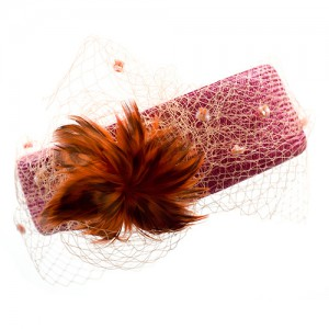 Sisal-Kranz magenta, mit Schleier und Federblüte