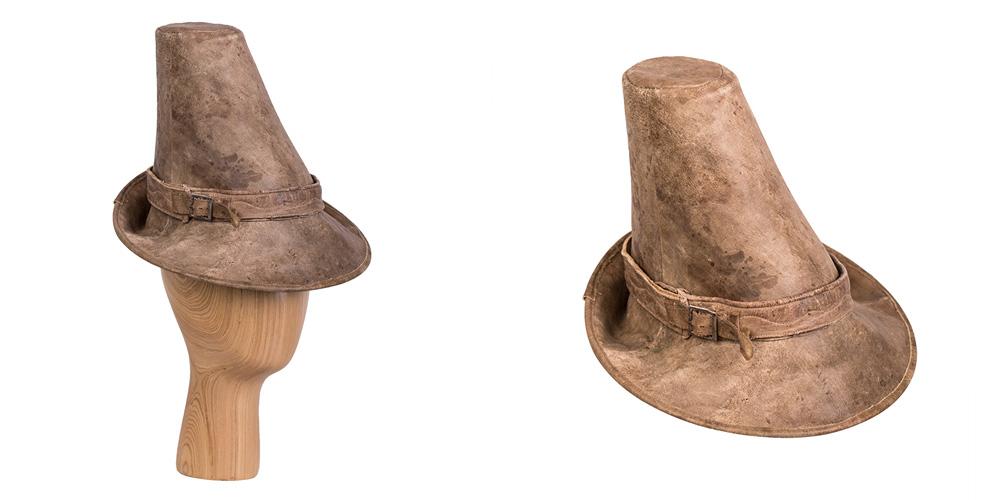 Material einer alte Lederhose, in Kooperation mit Annette Petermann