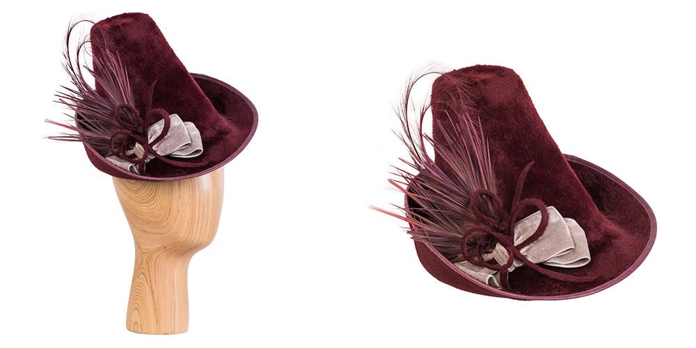 Melousine-Haarfilz mit Ledereinfass, Samt und Federgarnitur, in Kooperation mit Annette Petermann